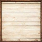 Le cadre en bois de Brown a vissé sur les planches légères de mur Photographie stock libre de droits