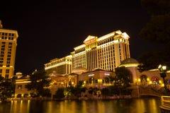 Le Caesars Palace avec la vue de lac, nuit de Las Vegas Image stock