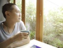 Le café dans le matin détendent Photographie stock libre de droits