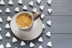 Le café de tasse de Valentine embarque des cubes en sucre Photos libres de droits