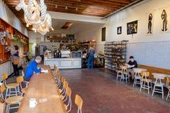 Le café et la boulangerie de moulin Images stock
