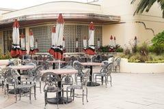 Le café et le restaurant est fermé avec l'allocation des places Photos libres de droits