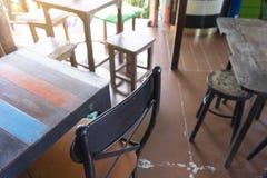Le café et le restaurant est fermé avec l'allocation des places Images stock
