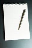 Le cahier avec le traitement Photos libres de droits
