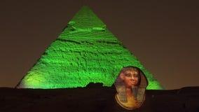 Le Caire, Egypte - 2019-05-03 - exposition de lumière de pyramide - le sphinx devient illuminé banque de vidéos