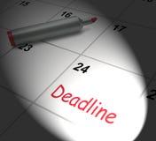 Le calendrier de date-butoir montre l'échéance et la coupure Photographie stock libre de droits