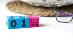 Le calendrier perpétuel a placé à la date du 1er juin Image libre de droits