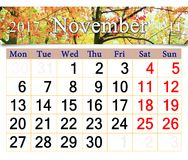 Le calendrier pour novembre 2017 avec le jaune part dans le parc Photos stock