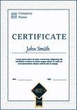 Le calibre de certificat attribue le vecteur A4 de fond de diplôme Photos libres de droits