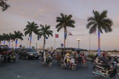 LE CAMBODGE PHNOM PENH PREAH SISOWATH QUAY images stock