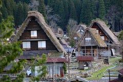 Le Camere giapponesi tradizionali dentro Shirakawa-vanno Fotografie Stock Libere da Diritti
