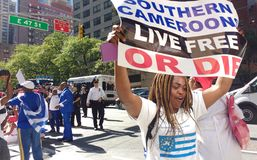 Le Cameroun, protestataires du sud de Cameroons/Ambazonia, NYC, NY, Etats-Unis Photos stock