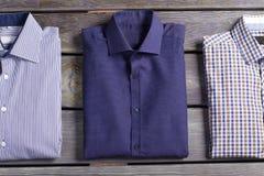 Le camice degli uomini alla moda di affari Fotografia Stock
