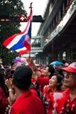 Le camice rosse protestano a Bangkok fotografia stock libera da diritti