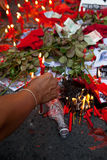 Le camice rosse protestano a Bangkok fotografia stock