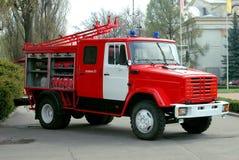 Le camion de pompiers rouge Image stock