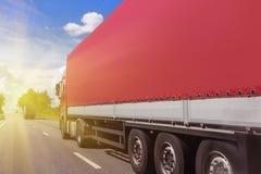 Le camion va sur la route Photos libres de droits