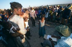 Le camp d'un peuple déplacé en Angola. photo libre de droits