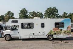 Le Canada Ontario a garé la voiture de campeur de rv de la croisière Amérique Images stock