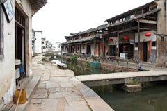 Le canal d'un village antique dans la province d'Anhui, Chine Image libre de droits