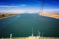 Le canal de Suez chez Port-Saïd avec les 2 sorties au Mediterranea Photo stock