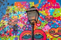 Le canal du ` s de St Martin a coloré l'art de rue dans des Frances de Paris X Photos libres de droits