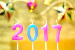 le candele hanno decorato il nuovo anno 2017 Immagine Stock