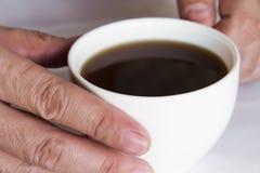 Le cappuccino de café chaud est très populaire autour du monde images stock