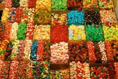 Le caramelle si levano in piedi - il servizio di Boqueria della La, Barcellona Fotografia Stock