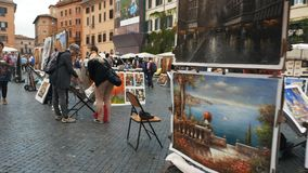 Le cardan a tiré la marche après des artistes dans Piazza Navona, Rome clips vidéos