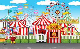 Le carnaval avec beaucoup monte et fait des emplettes illustration stock