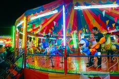 Le carrousel ou joyeux vont rond dans le style thaïlandais Images libres de droits