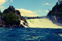 Le cascate del Reno Immagini Stock