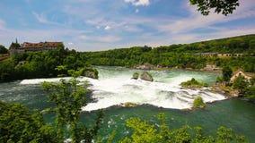 Le cascate del Reno Rheinfalls, la più grande cascata normale in Europa vicino a Sciaffusa, Svizzera archivi video