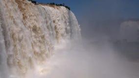 Le cascate di Iguazu - l'Brasile-Argentina Sudamerica stock footage
