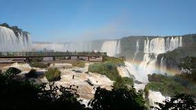 Le cascate di Iguazu nella provincia di Misiones dell'Argentina archivi video