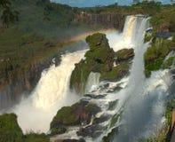 Le cascate di Iguazu superiori Brasile/confine dell'Argentina Fotografia Stock