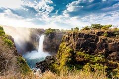Le cascate Victoria con il cielo drammatico Immagini Stock Libere da Diritti