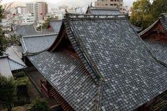 Le case d'impilamento intorno a Sofukuji durante il tramonto Fotografie Stock Libere da Diritti