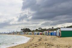Le case di bagno Colourful alla via di Dendy tirano, Brighton a Melbourne Immagini Stock