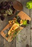 Le casse-croûte de fromage avec le tofu, poivron vert, nori part Images libres de droits