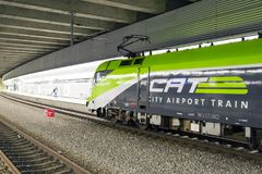 Le CAT de train d'aéroport de ville à Vienne, Autriche Photo stock