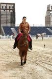 Le cavalier exécute le 23 mars 2012 au Bahrain Photographie stock libre de droits