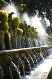 LE Cento Fontane, κήπος δ ` Este βιλών πηγή και στο nea Tivoli Στοκ Φωτογραφίες