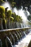 Le Cento Fontane, `-Este för villa D springbrunn och trädgård i den Tivoli neaen Arkivfoton