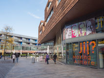 Le centre de la ville moderne d'Almere, Pays-Bas Images stock