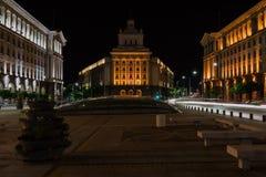 Le centre de la ville de Sofia la nuit, Bulgarie Bâtiments de la présidence, du Conseil des ministres et de l'ancienne Chambre de photo libre de droits