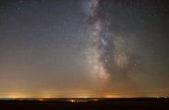 Le centre de notre galaxie à la maison, la galaxie de manière laiteuse, nuit tient le premier rôle le paysage photos stock