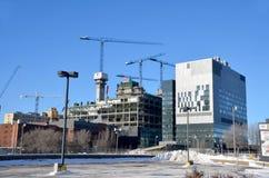 Le centre de nouveau Montréal en construction hospitalier Photos stock