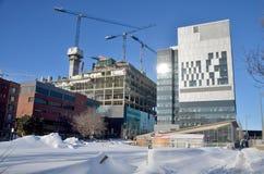 Le centre de nouveau Montréal en construction hospitalier Photographie stock libre de droits